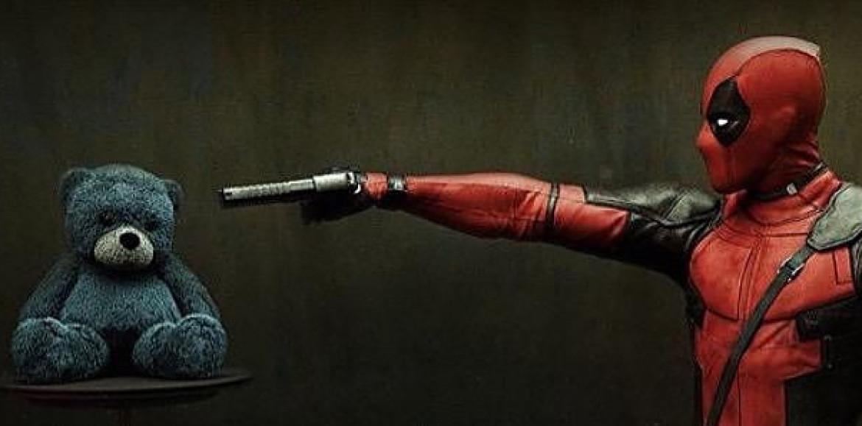 Deadpool adelanta el tráiler de la película con un tráiler